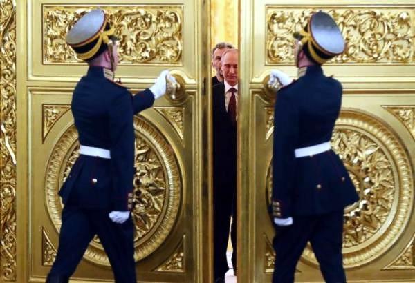 Путин на троне Ивана Грозного