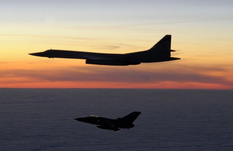 Рецепт катастрофы: российские самолеты в небе, раскол Запада и Украина на краю пропасти