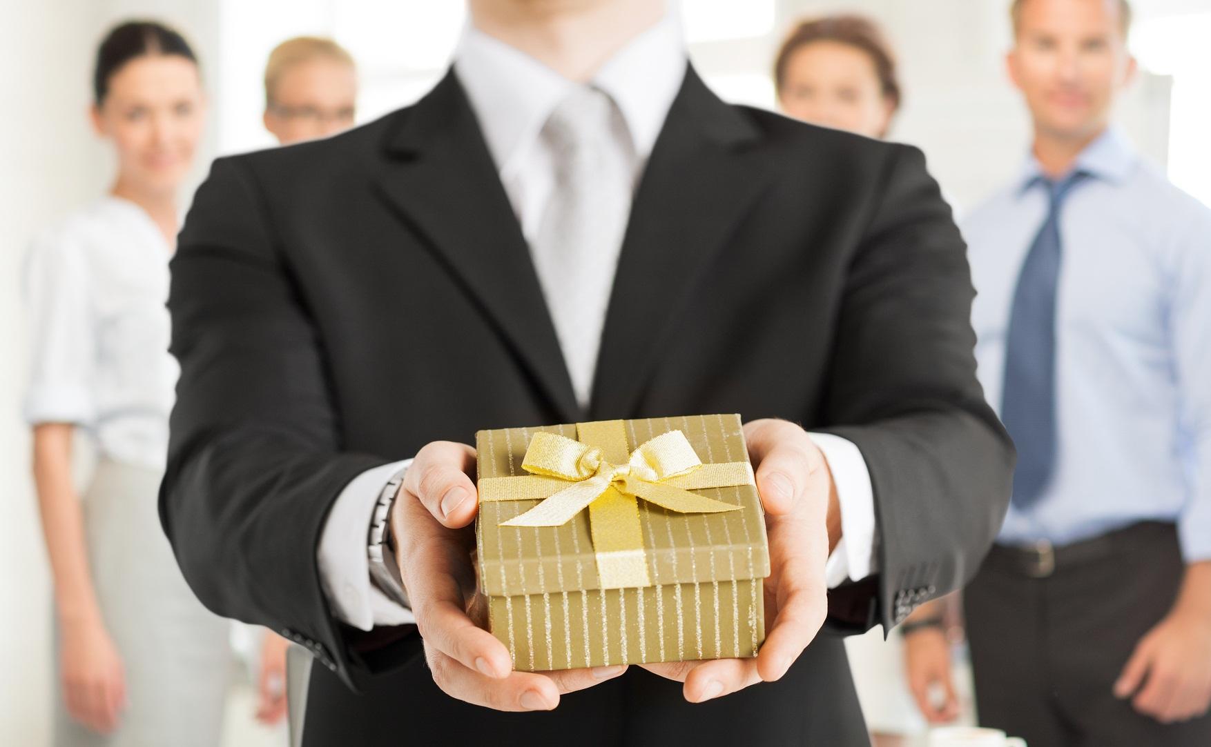 Подарки для сотрудников на новый год своими