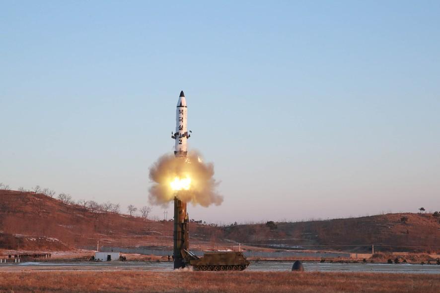 ВЯпонии созвали Совет нацбезопасности из-за запуска ракеты КНДР
