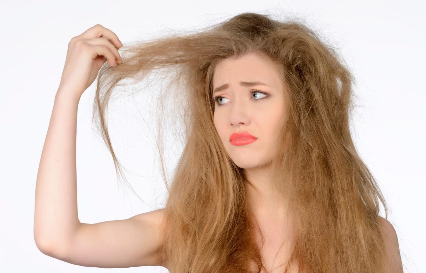 Поврежденные волосы: обрезать нельзя спасти