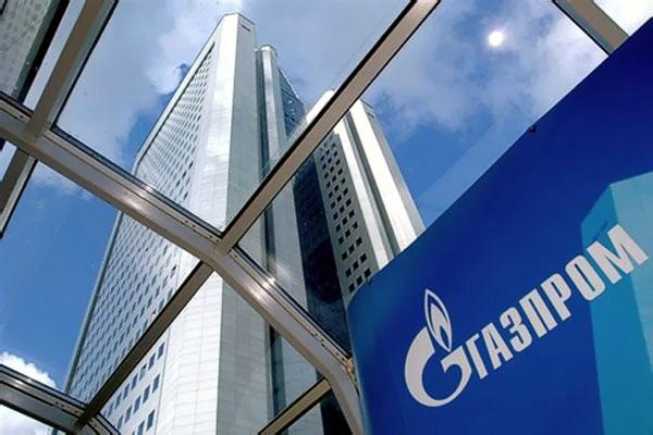 Прибыль «Газпрома» упала на 40%