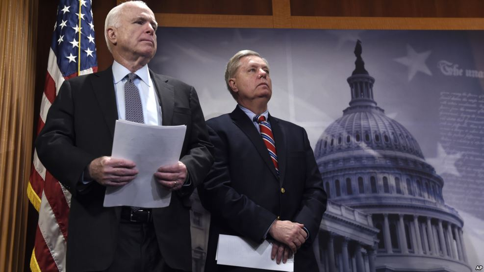 Сенаторы США представят проект посанкциям противРФ