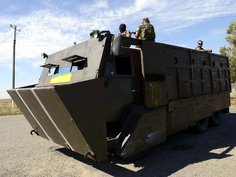 Самодельные бронемашины украинских батальонов и боевиков Донбасса