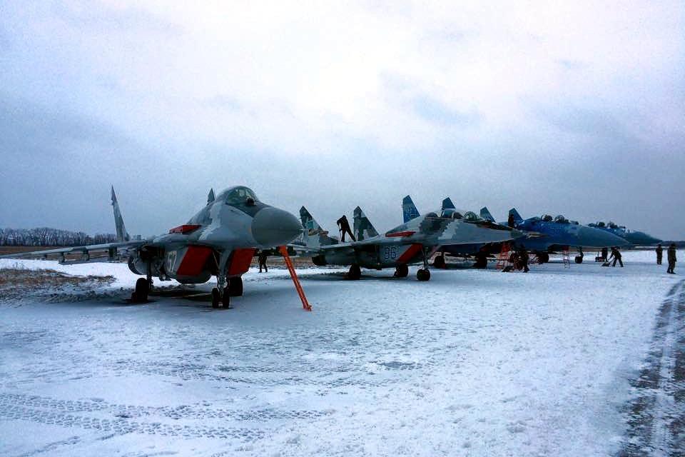 Бирюков: Сегодня армия получит самолеты МиГ и Су