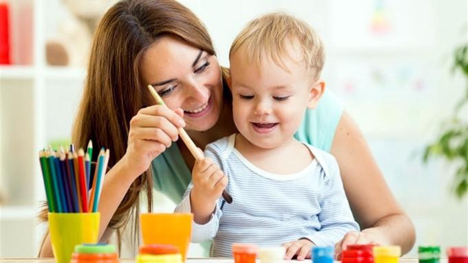«Муниципальная няня»: Родителям ежемесячно компенсируют 1626 грн
