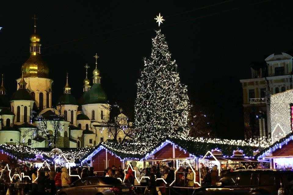 НаСофийской площади вКиеве внынешнем году установят рекордно большую елку