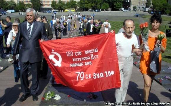 9 мая: в Тернополе — драка, во Львове — все по сценарию