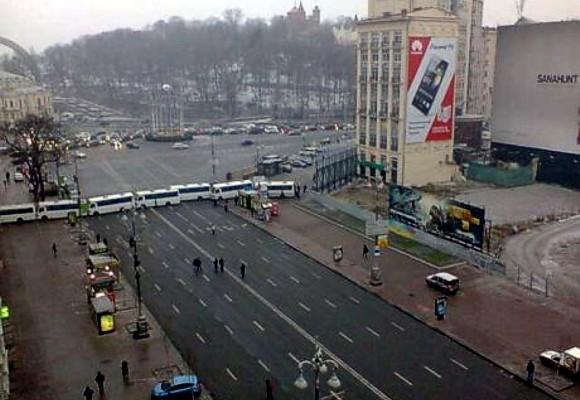 «Беркут» перекрыл доступ к Майдану со стороны Европейской площади