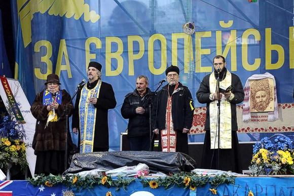 Минкульт угрожает закрыть греко-католическую церковь за публичные богослужения на Евромайдане