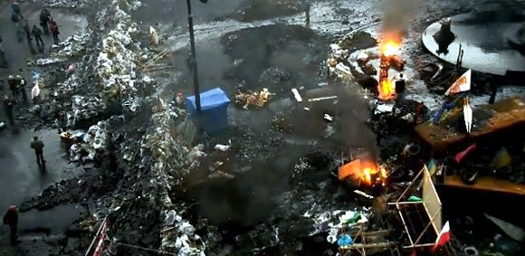 На Грушевского снова подожгли покрышки