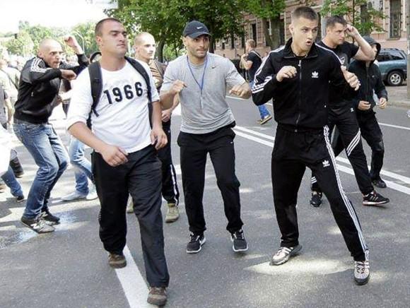 Спортсменов, которые избили журналистов, нанимали для уличных боев