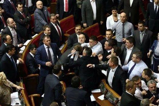 Симоненко спровоцировал драку в Верховной Раде