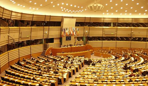 В Европарламенте призвали сохранить в силе санкции против России