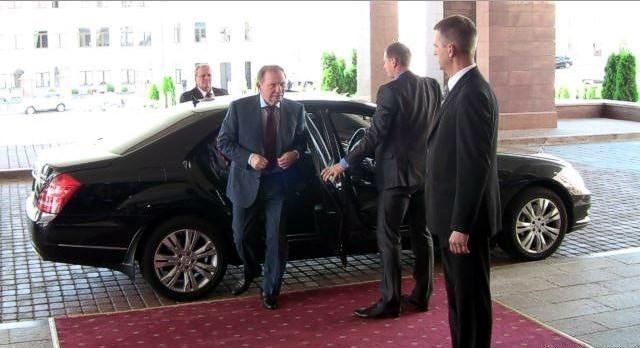 В Минске начались трехсторонние переговоры о прекращении огня на Донбассе