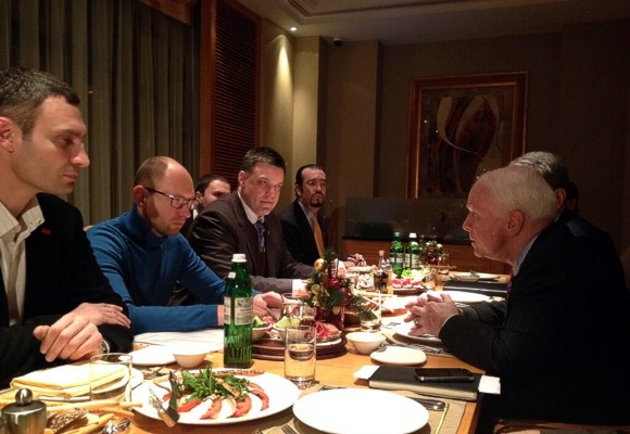 Сенатор Маккейн: Резолюция по Украине будет одобрена быстро и единогласно