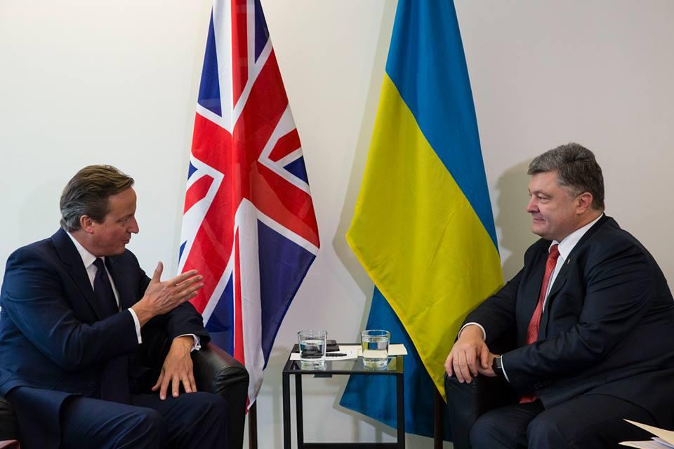 Кэмерон и Порошенко осудили планы боевиков провести псевдовыборы