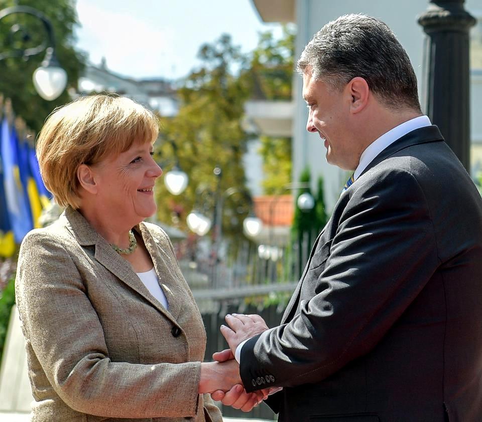 Началась встреча Порошенко с Меркель