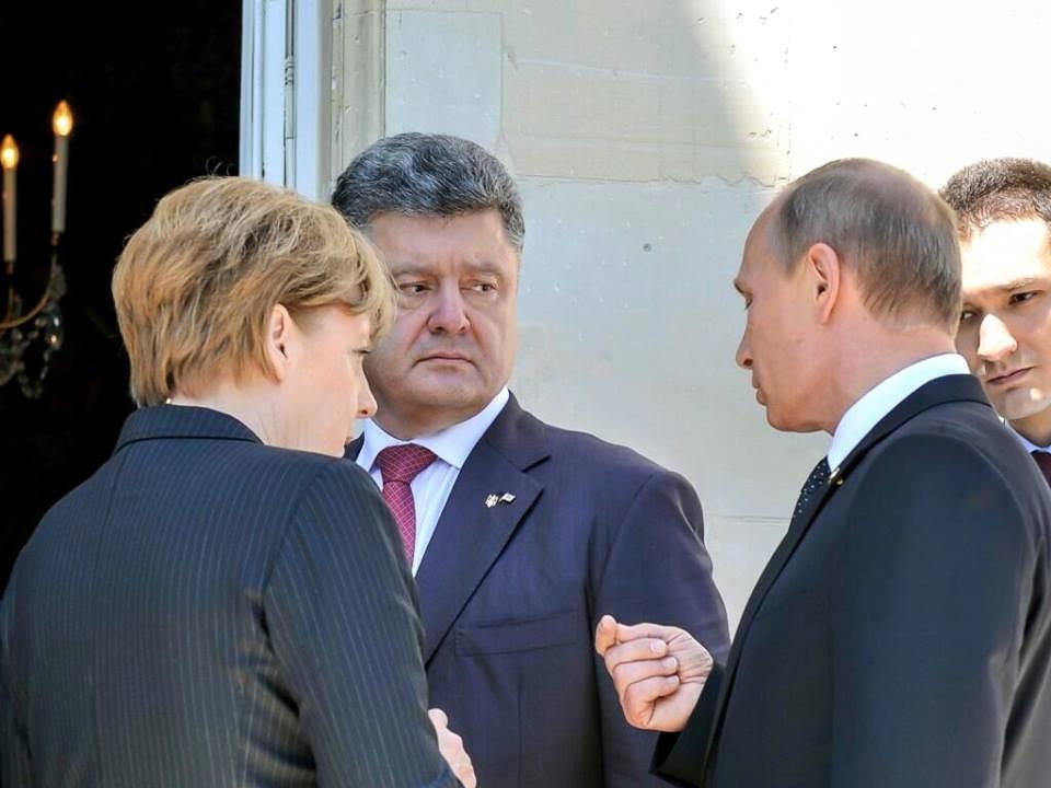 Путин, Меркель и Порошенко пообщались во Франции