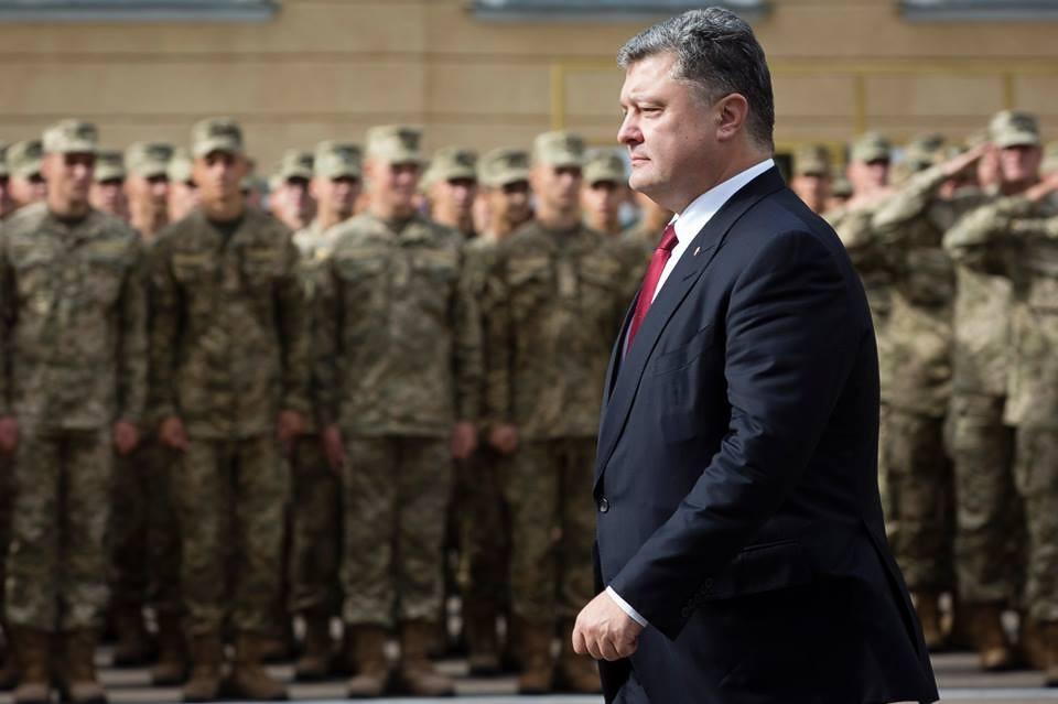 Украина может обучить НАТО воевать с актуальной для нашего времени армией РФ — Порошенко