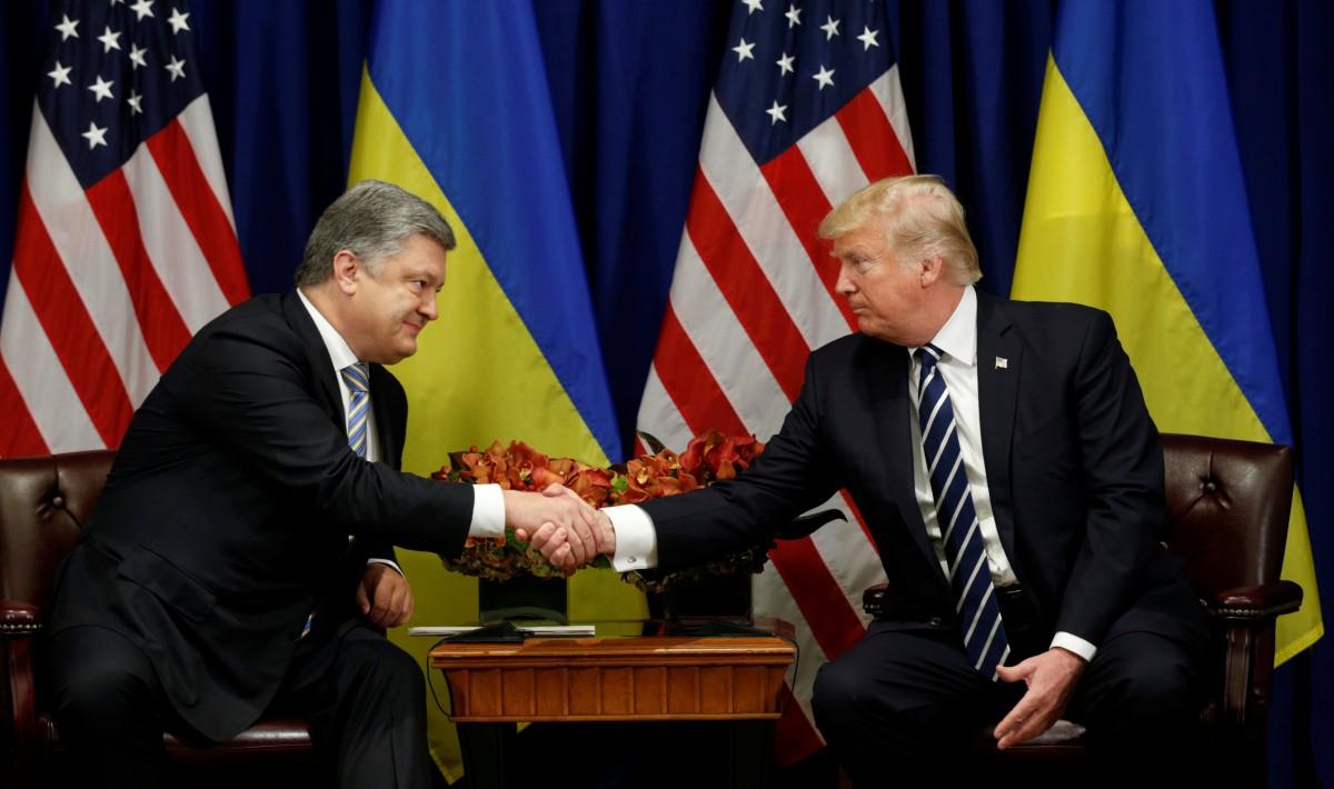 Порошенко надеется обсудить с Трампом его встречу с Путиным