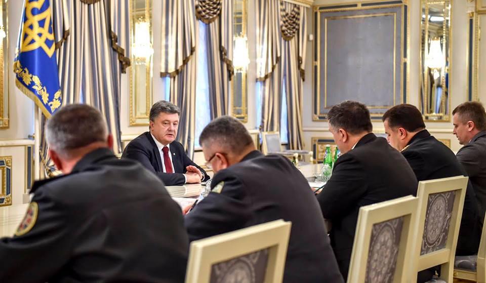 Порошенко: С 9 декабря на Донбассе начинается «день тишины»