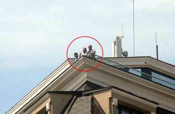Журналисты на фото 18 мая увидели министра МВД на крыше «Итерконтиненталя»