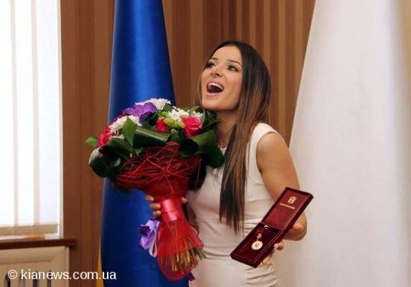 Злата Огневич стала «Заслуженной артисткой Крыма»