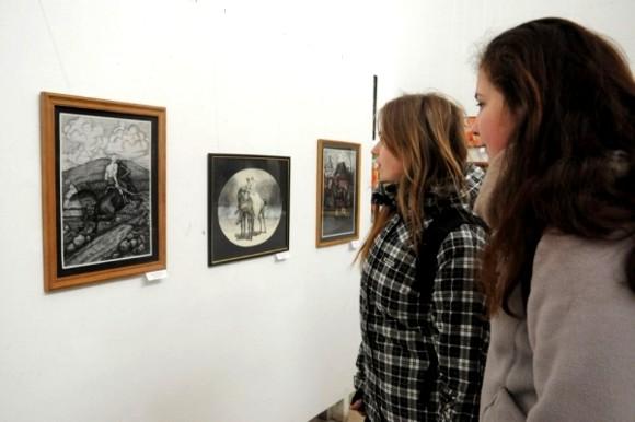 Во Львове открылась выставка глухих художников