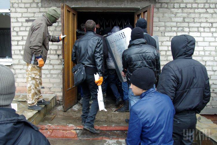 В Горловке боевики совершили нападение на Управление гражданской защиты населения