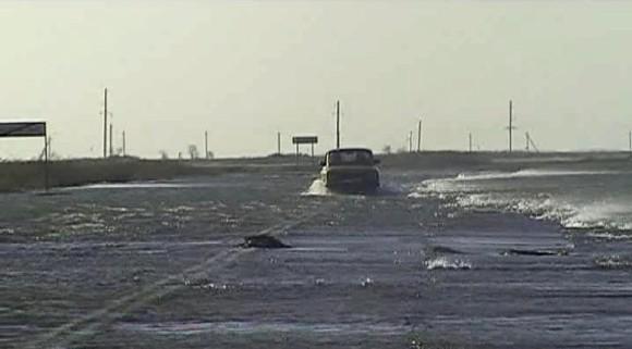 Уровень Азовского моря поднялся выше критической отметки