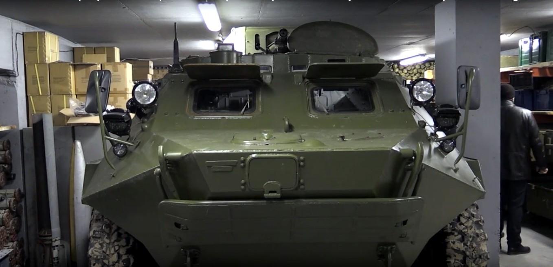 Под Киевом обнаружили бункер с боеприпасами и арсеналом оружия