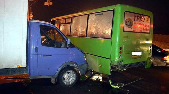 Масштабное ДТП в Харькове: пострадали 25 человек