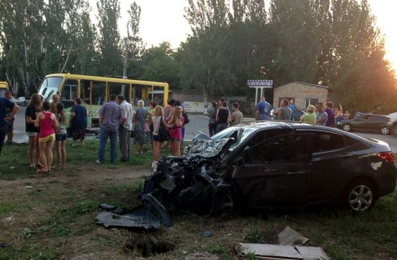 В Херсоне автомобиль въехал в маршрутное такси, пострадали 10 человек