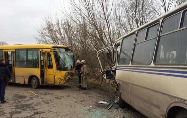 Во Львовской области в результате ДТП пострадали более 20 человек