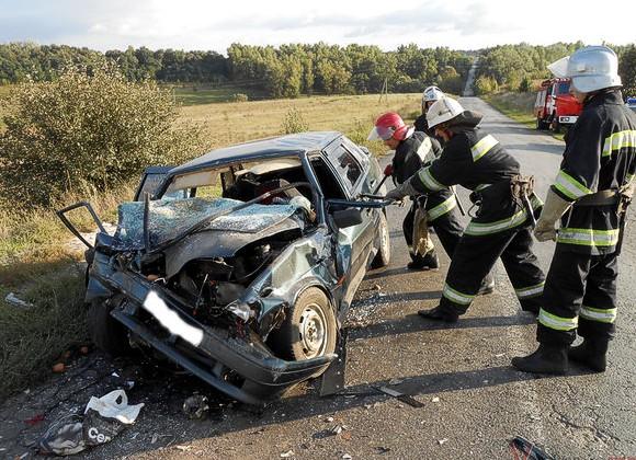 Смертельное ДТП в Полтавской области: погибли двое молодых людей, один травмирован