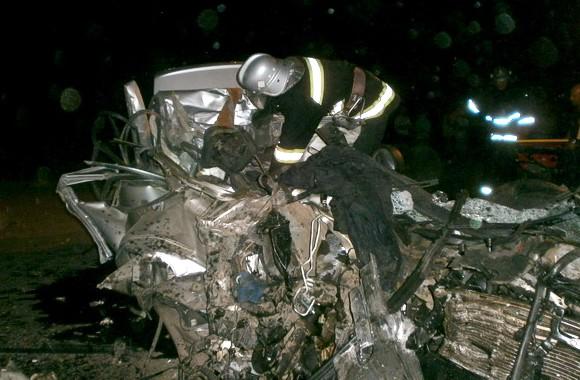 На Тернопольщине КамАЗ столкнулся с «Мерседесом»: Трое погибших