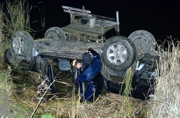 На Сумщине джип Toyota сорвался в пруд: водитель погиб, пассажир ранен