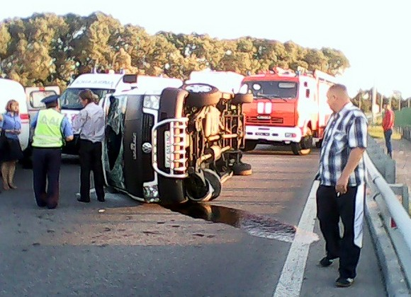 На Житомирщине перевернулась маршрутка с пассажирами: семеро пострадавших