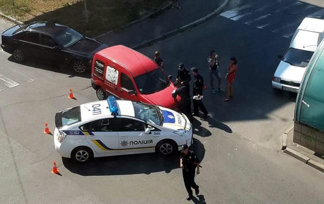 В Киеве автомобиль патрульной полиции столкнулся с Renault