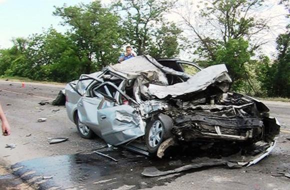 Страшное ДТП в Крыму: Лобовое столкновение иномарок. Погибли три человека