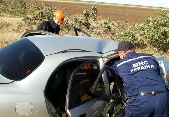 В лобовом столкновении под Симферополем погибли 2 человека