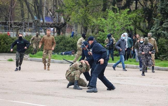 В Одессе из-за георгиевской ленточки произошла массовая драка
