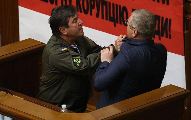 В Раде подрались депутаты Тимошенко и Вилкул