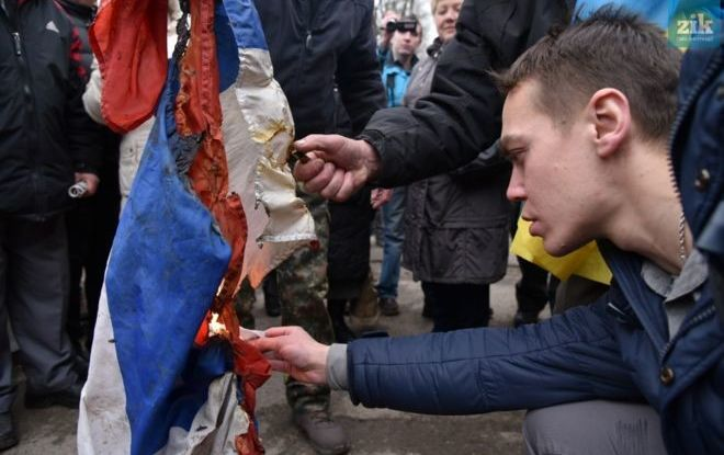 Из-за событий под Генконсульством России во Львове открыли криминал