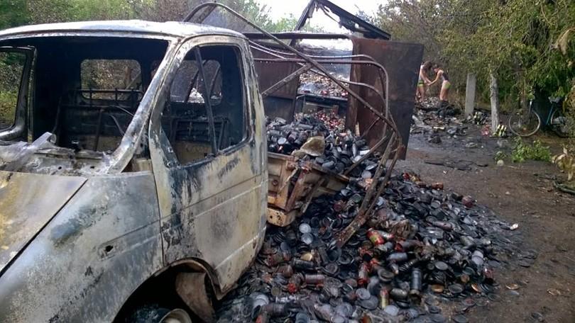 «Блуждающий танк» уничтожил фуру с алкоголем боевиков