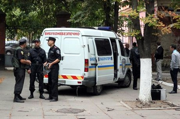В Херсоне подорвали двери представительства президента Украины в Крыму