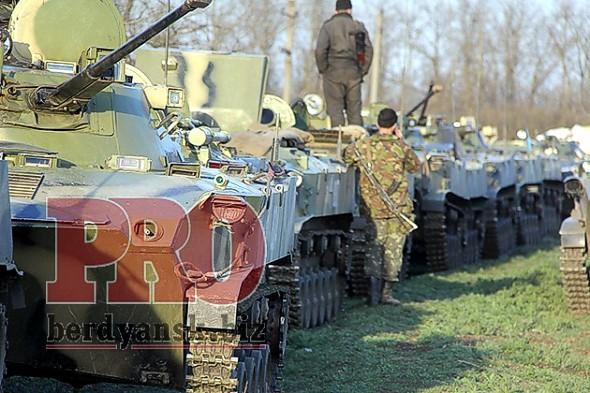 В Бердянск вошла колонна украинской военной техники