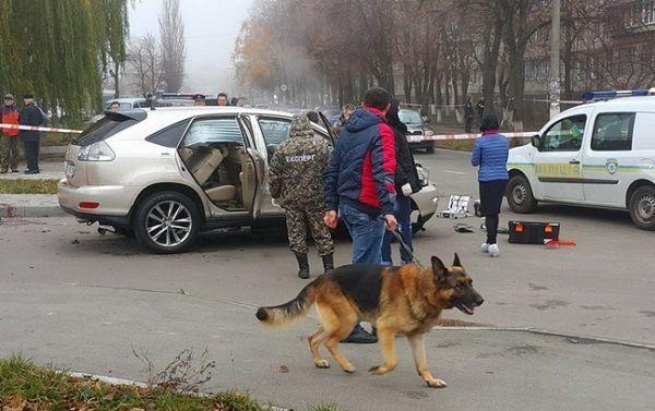 В Киеве на ходу взорвался внедорожник: ранен водитель