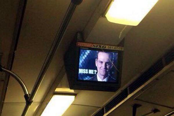 В киевском метро неожиданно появился персонаж из культового сериала